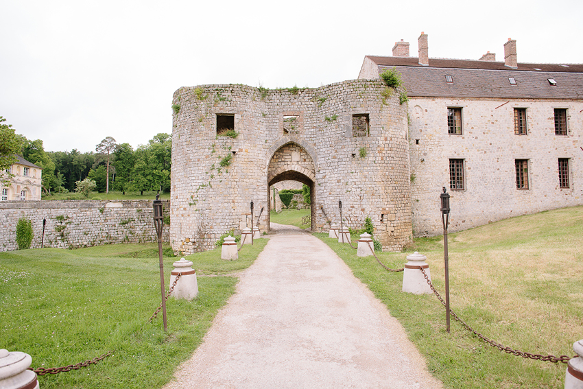 French-Grey-Photography-Chateau-De-Vallery-Burgundy-France-001